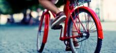 Ir al trabajo caminando o en bicicleta es bueno para la salud mental. Imagen tomada de la fuente original.